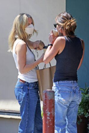 Gwyneth Paltrow - Seen at Pierre Lafond in Montecito