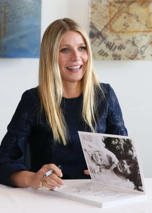 Gwyneth Paltrow Signs her book 'It's all Good' in Nashville