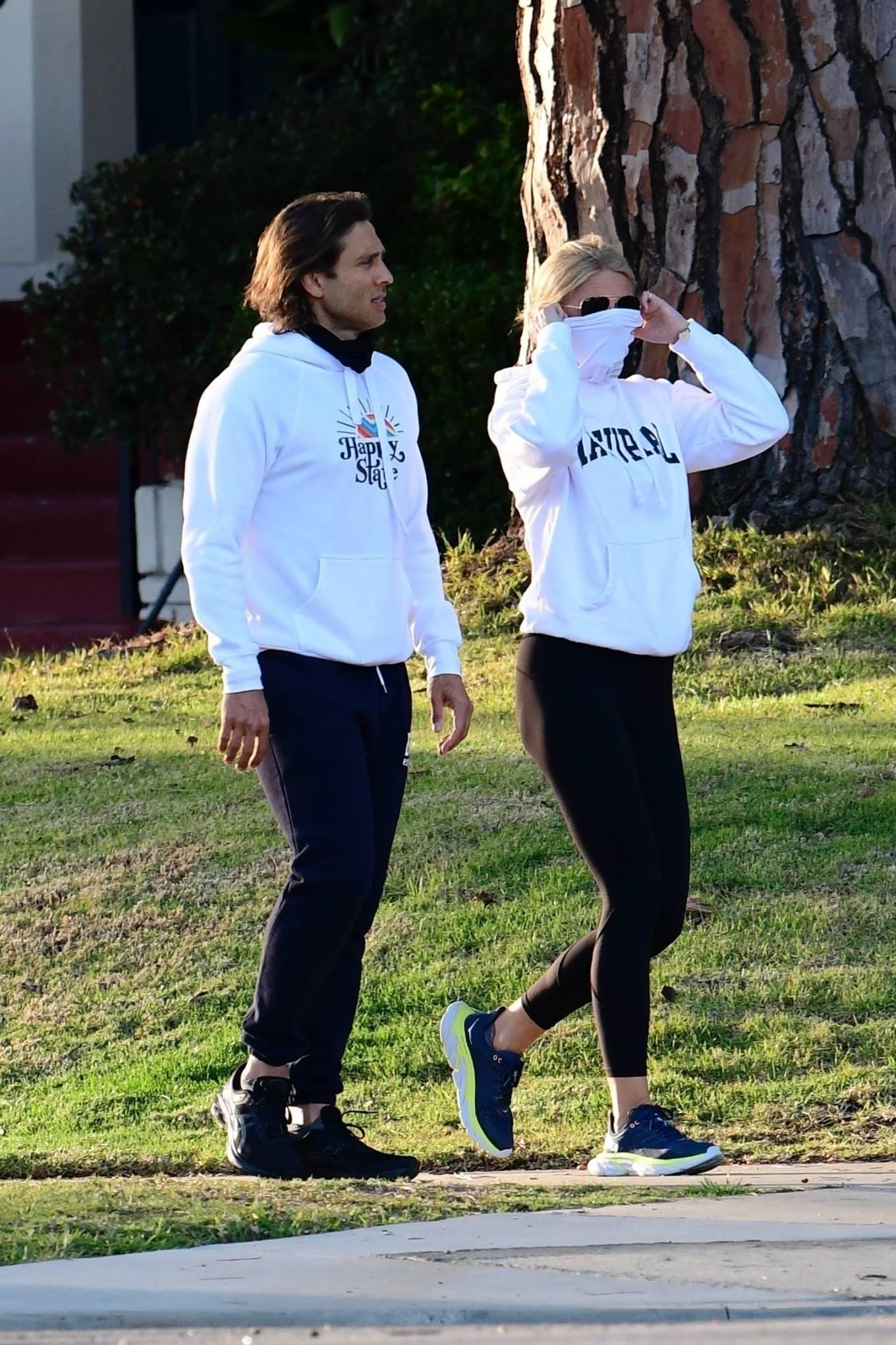 Gwyneth Paltrow - Spotted on a walk in Brentwood