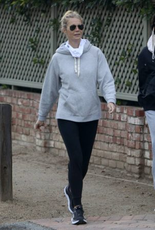 Gwyneth Paltrow - Steps out for a walk with a friend in Brentwood