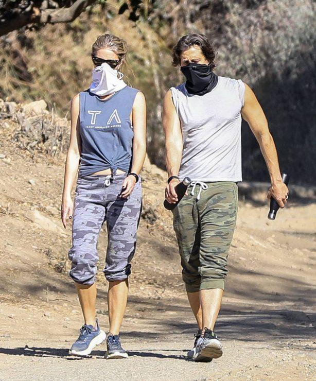 Gwyneth Paltrow - With husband Brad Falchuk hiking in Los Angeles
