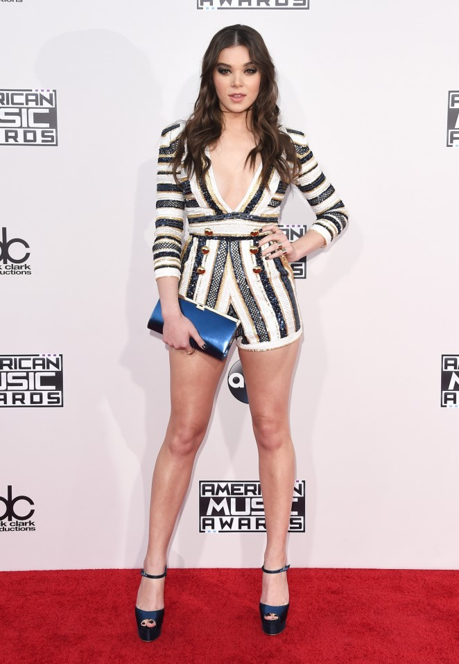 Hailee Steinfeld – 2015 American Music Awards in Los Angeles