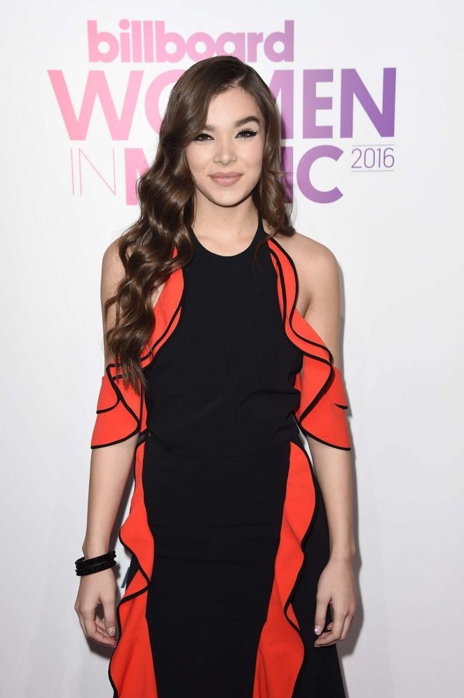 Hailee Steinfeld - 2016 Billboard Women in Music in NYC