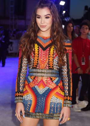 Hailee Steinfeld - 2016 MTV Video Music Awards in New York City