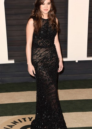 Hailee Steinfeld - 2016 Vanity Fair Oscar Party in Beverly Hills