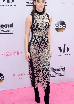 Hailee Steinfeld - 2017 Billboard Music Awards in Las Vegas