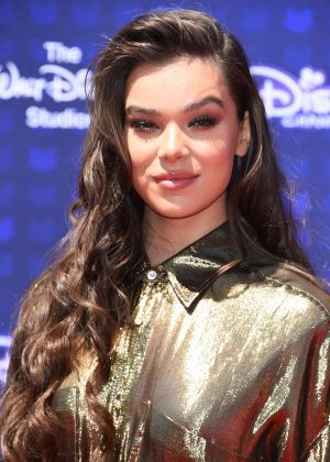 Hailee Steinfeld - 2017 Radio Disney Music Awards in LA