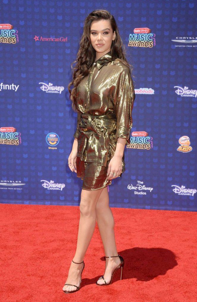 Hailee Steinfeld – 2017 Radio Disney Music Awards In Los Angeles