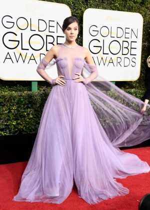 Hailee Steinfeld - 74th Annual Golden Globe Awards in Beverly Hills