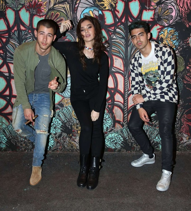 Hailee Steinfeld – DNCE Jingle Ball After Party in Miami