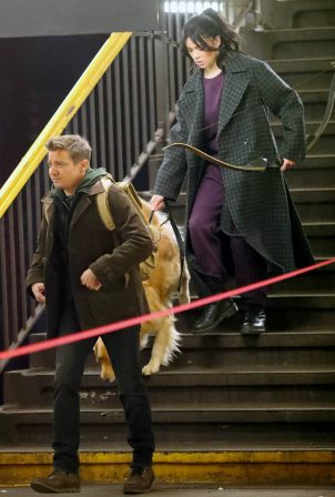 Hailee Steinfeld - Filming 'Hawkeye' in NYC