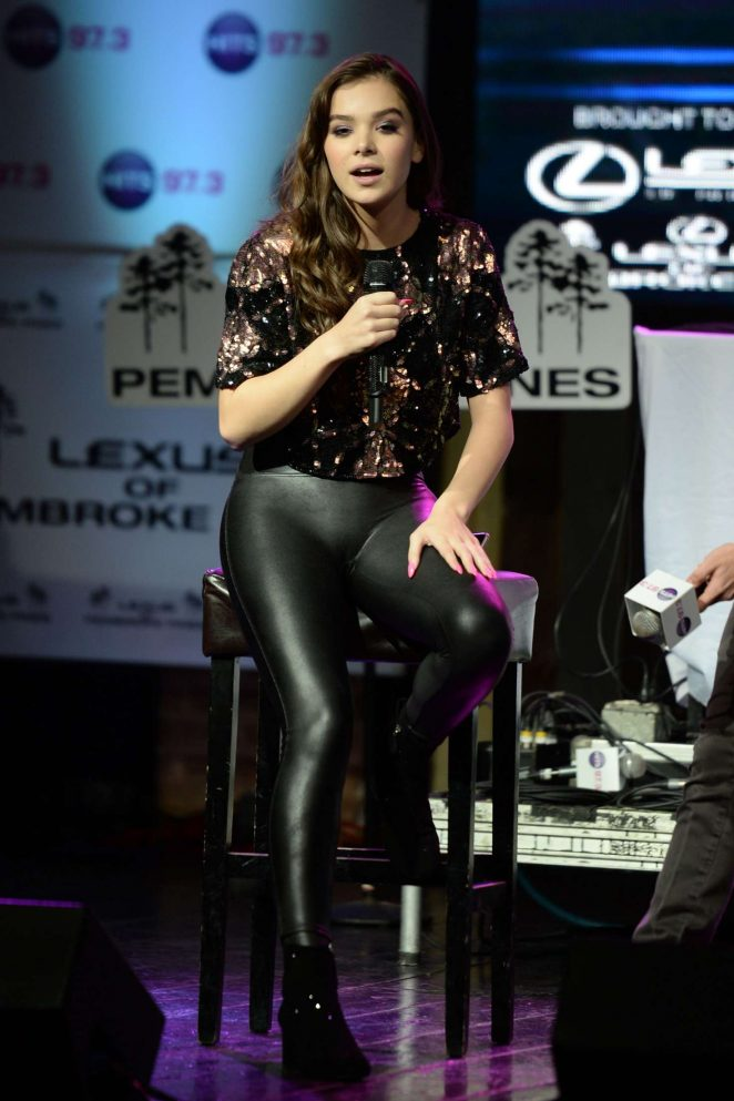 Hailee Steinfeld Hits 97 3 Sessions At Revolution 19