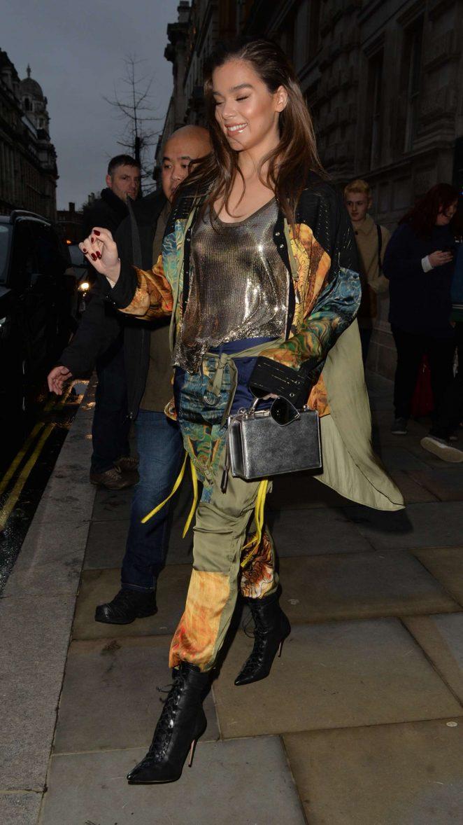 Hailee Steinfeld – Leaving a TV studio in London