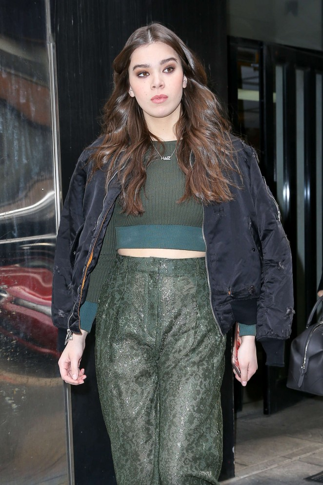 Hailee Steinfeld – Leaving Fox Studios in New York City
