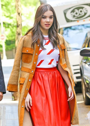 Hailee Steinfeld - Leaving 'The View' in NYC