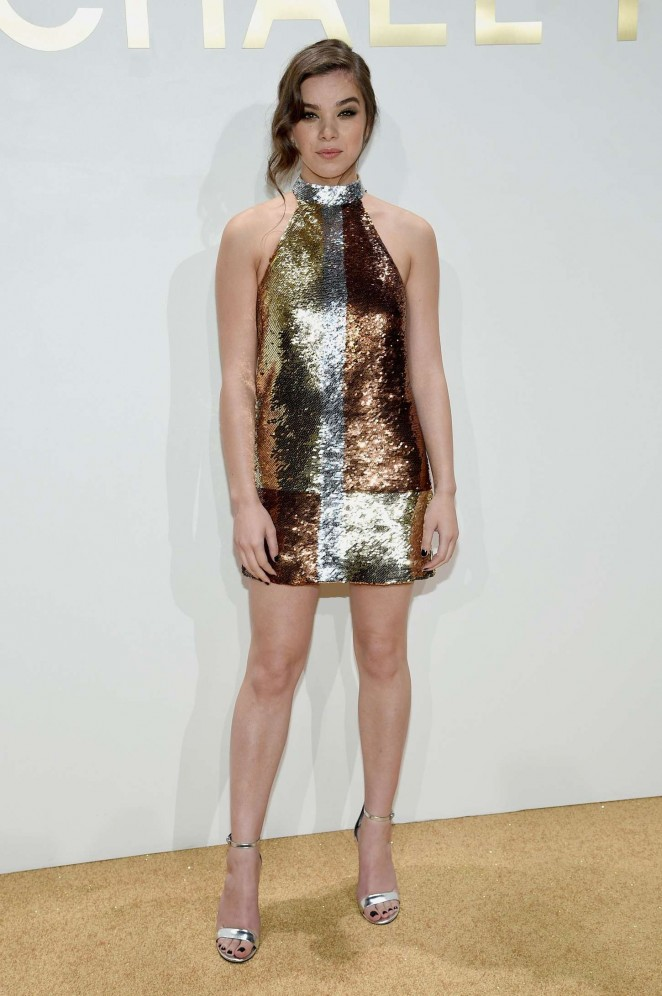 Hailee Steinfeld – New Gold Collection Fragrance Launch Hosted by Michael Kors in NYC