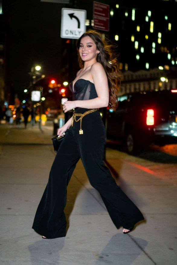 Hailee Steinfeld - Night out in NYC
