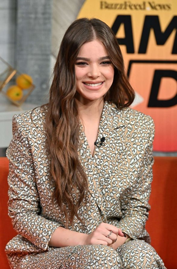 Hailee Steinfeld - On BuzzFeed's 'AM To DM' in NYC