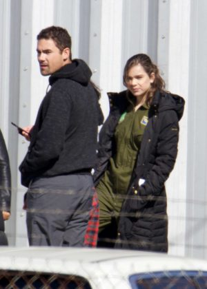 Hailee Steinfeld on set 'Pitch Perfect 3' in Atlanta