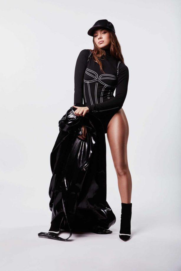 Hailee Steinfeld - Personal pics