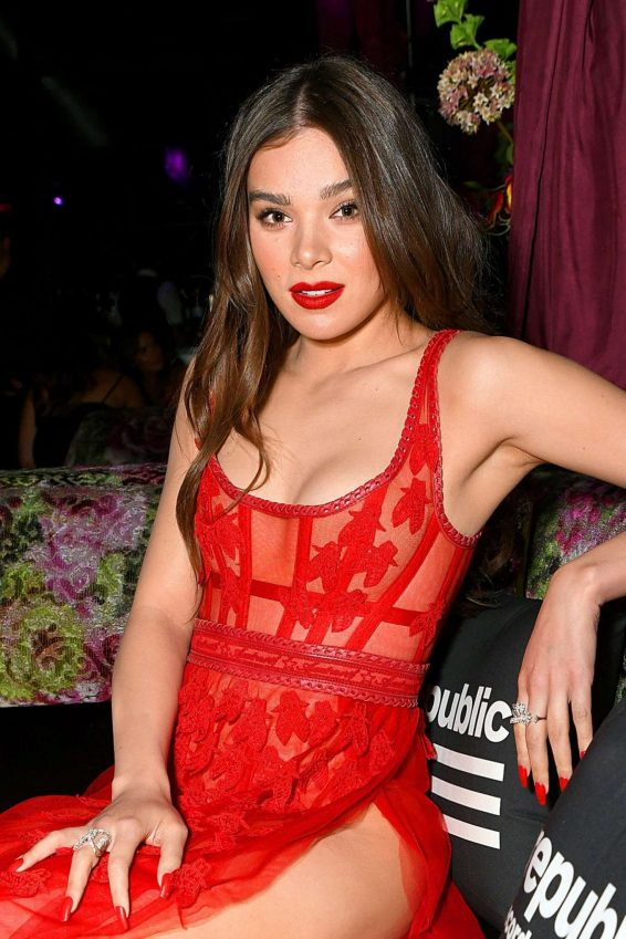 Hailee Steinfeld - Republic Records VMA After Party in New York