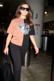 Hailee Steinfeld - Spotted at LAX Airport in LA