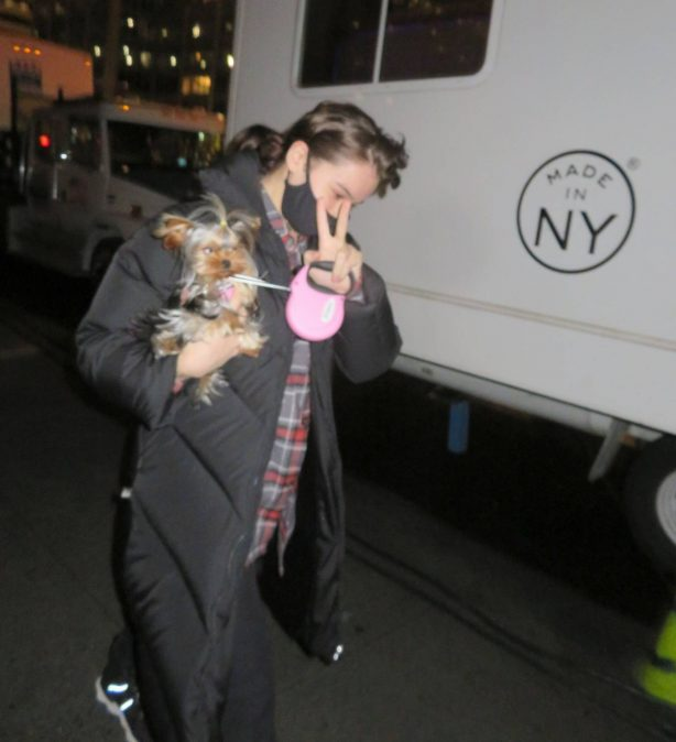 Hailee Steinfeld - Spotted while walks her dog to the makeup Hair trailer in New York City