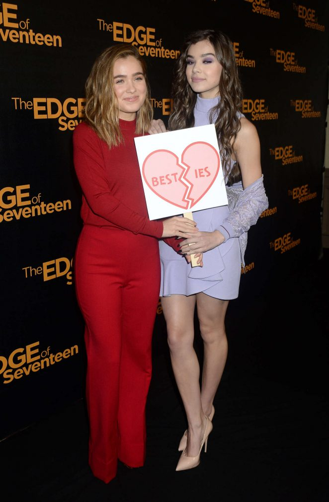 Hailee Steinfeld: The Edge of Seventeen Photocall -08