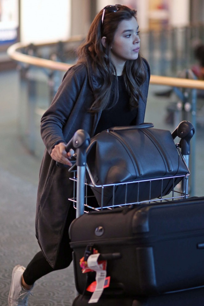 Hailee Steinfeld - Vancouver International Airport