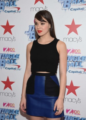 Hailee Steinfeld - Z100 Jingle Ball Presented by Capital One Kick Off Event in NY
