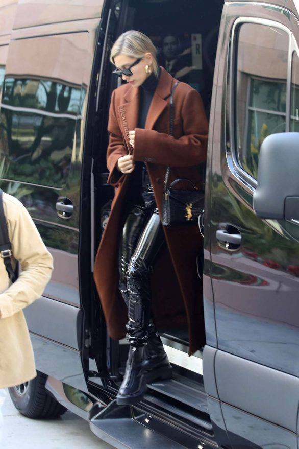 Hailey og Justin Bieber - Ankom til et forretningsmøde i Santa Monica