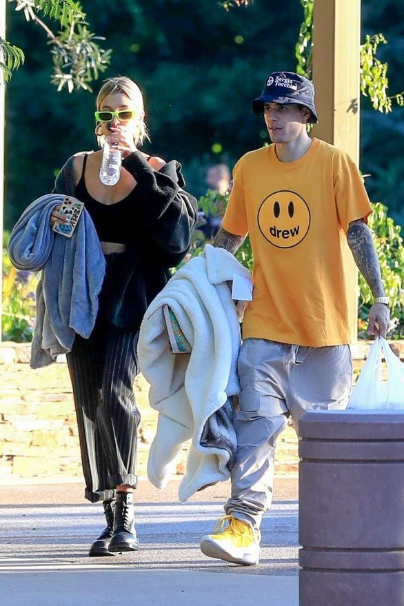 Hailey and Justin Bieber - Leaving a park in Beverly Hills