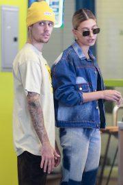 Hailey Baldwin and Justin Bieber at Earthbar in West Hollywood