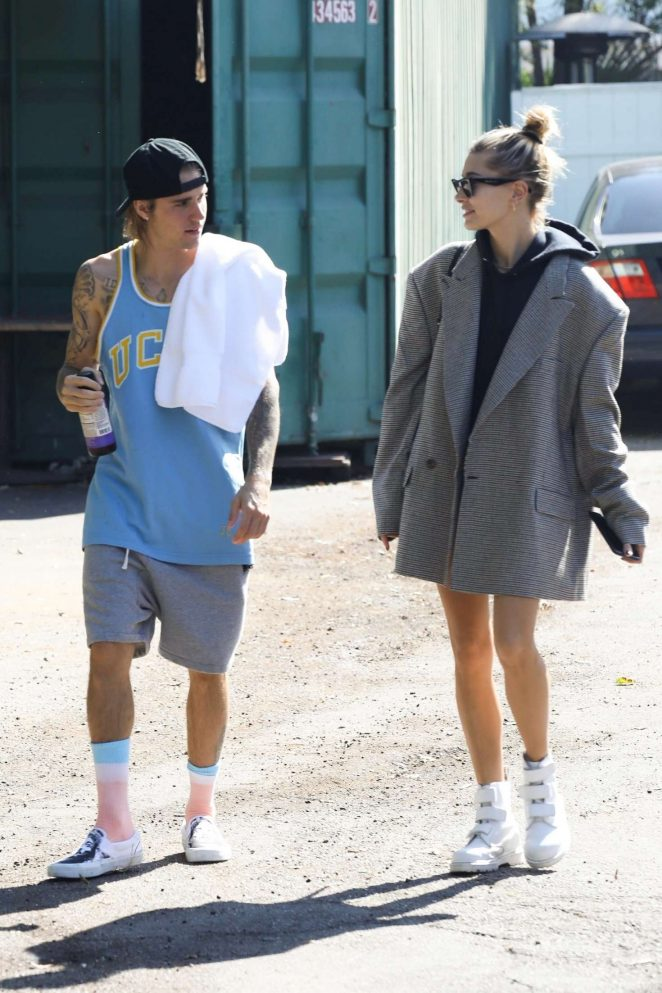 Hailey Baldwin and Justin Bieber - Heads out for a lunch in Studio City