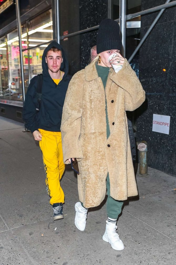 Hailey Baldwin and Justin Bieber – Leaving a building with his pastor in NY