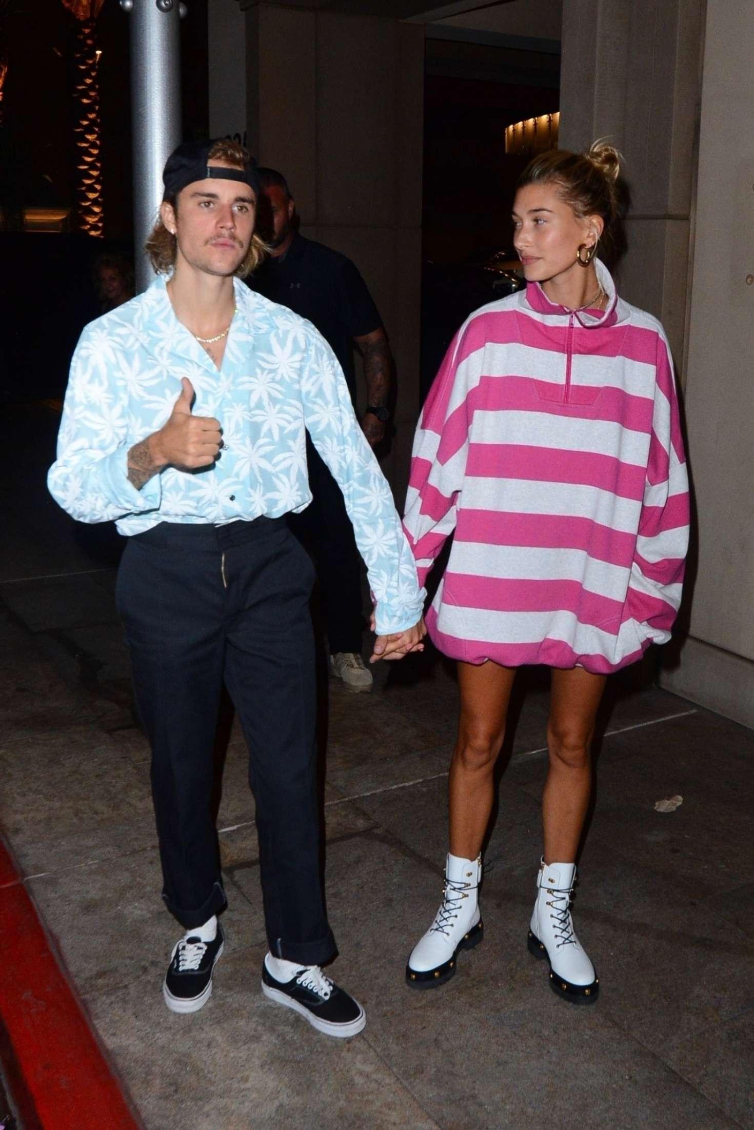 Hailey Baldwin 2018 : Hailey Baldwin and Justin Bieber: Out for a dinner -01