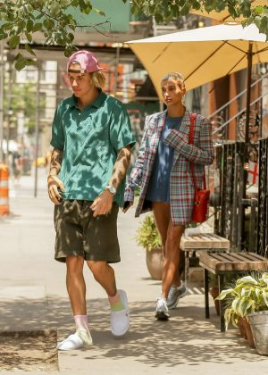 Hailey Baldwin and Justin Bieber - Went for lunch in New York City