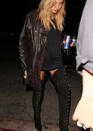 Hailey Baldwin Arrives to The Nice Guy in LA