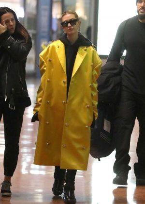 Hailey Baldwin - Arriving at Charles de Gaulle Airport in Paris