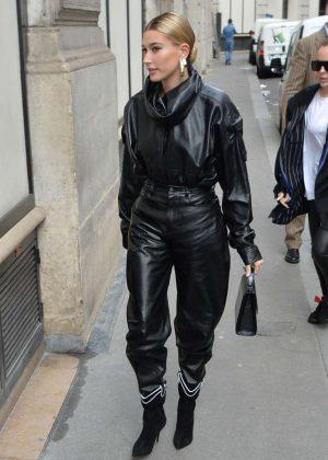 Hailey Baldwin - Arriving to Louis Vuitton Fitting in Paris