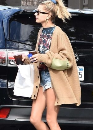Hailey Baldwin at Joan's on Third in Studio City