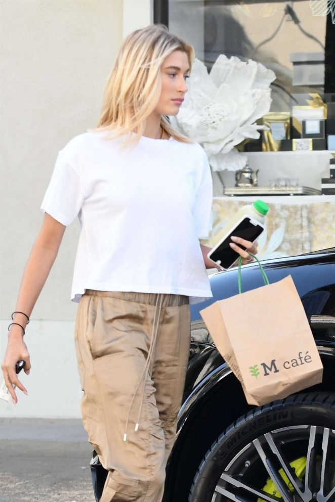 Hailey Baldwin at M Cafe in West Hollywood