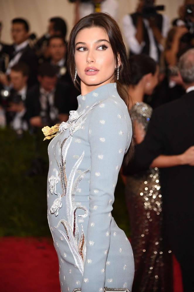 Hailey Baldwin - 2015 Costume Institute Gala in NYC