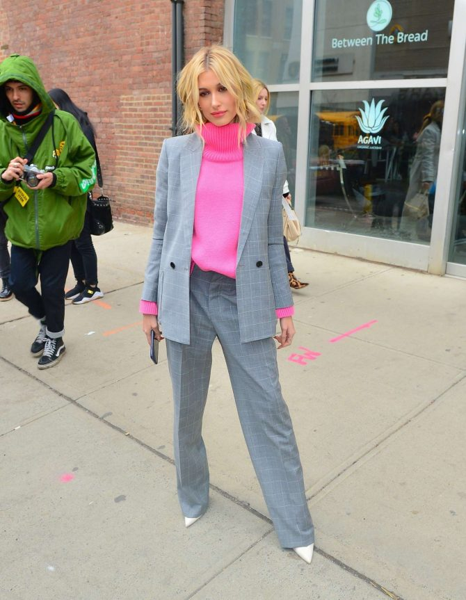 Hailey Baldwin in Grey Suit - Out in NYC