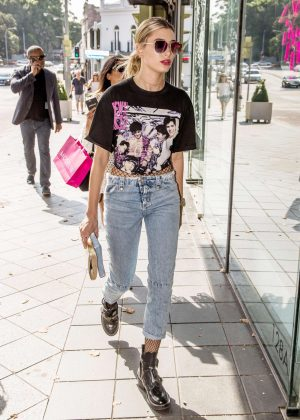 Hailey Baldwin in Jeans Shopping in Sydney