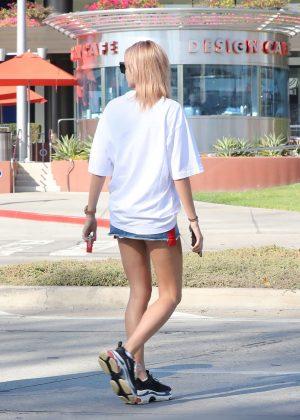 Hailey Baldwin In Mini Denim Skirt Zinque Cafe In West