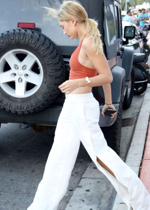 Hailey Baldwin and Kylie Jenner: Shopping in South Beach -02