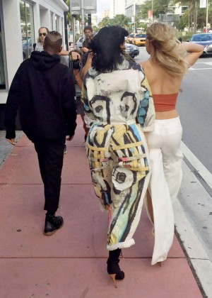 Hailey Baldwin and Kylie Jenner: Shopping in South Beach -24