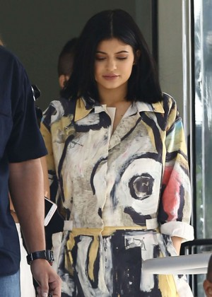 Hailey Baldwin and Kylie Jenner: Shopping in South Beach -26