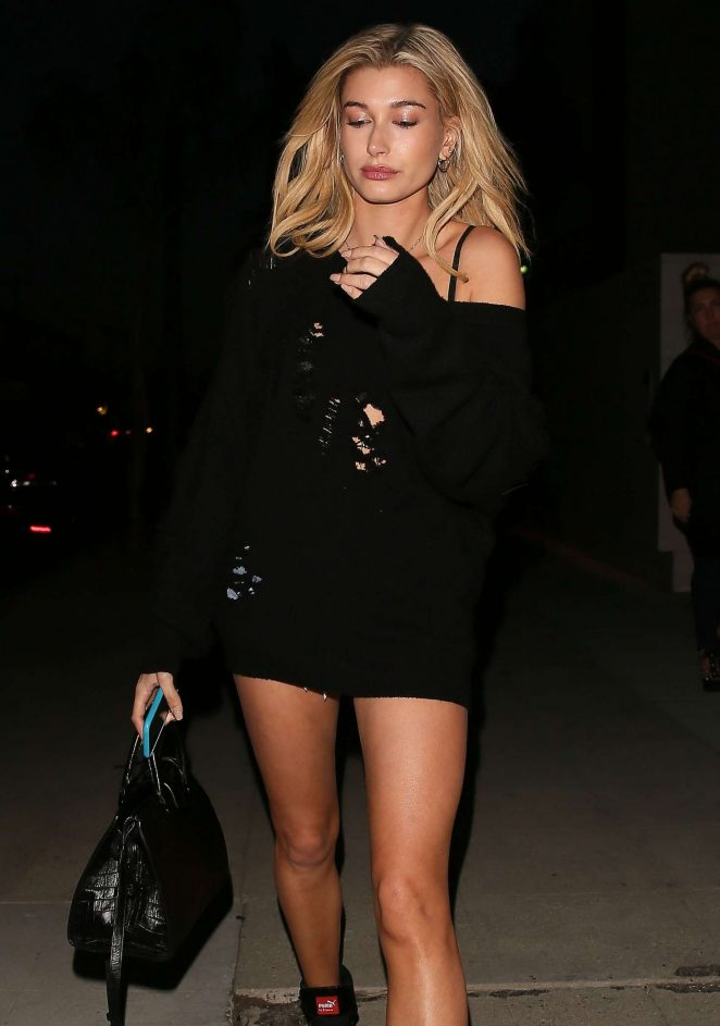 Hailey Baldwin - Leaves a Photoshoot at Milk Studios in Los Angeles